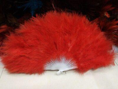 Веер из перьев Индейки - Красный цвет