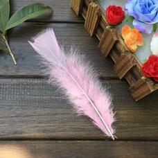Плоские перья индейки 12-18 см. 20 шт. Розовый цвет