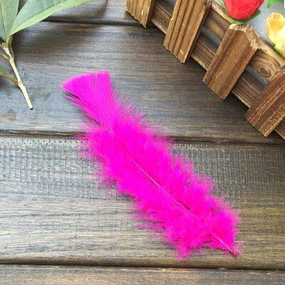 Плоские перья индейки 12-18 см. 20 шт. Фуксия