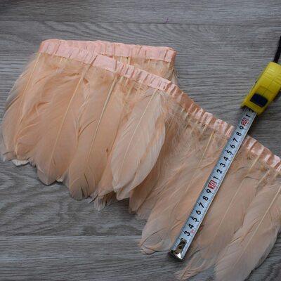 Тесьма из перьев гуся 15-20 см, 1м. Персиковый цвет