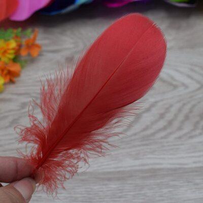 Пушистые перья гуся 13-18 см, 20 шт. Красного цвета