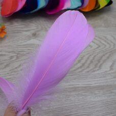 Пушистые перья гуся 13-18 см, 20 шт. Светло-фиолетовый цвет