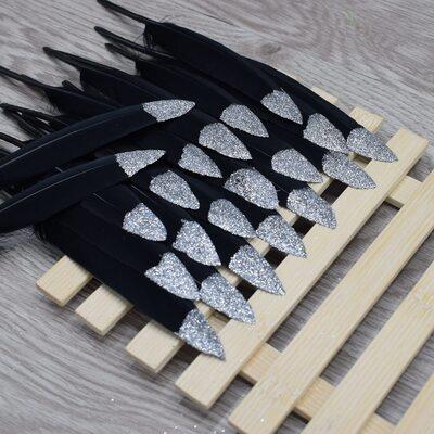 Перья утиные 10-15 см. 20 шт. Черные с серебряными блестками
