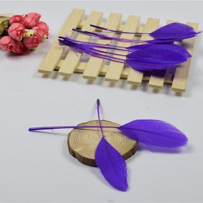 Перья гуся на ножке 13-18 см. 10 шт. Фиолетового цвета