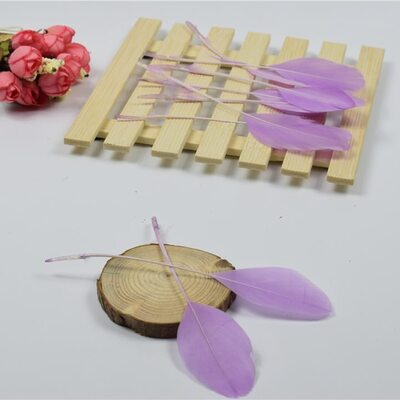 Перья гуся на ножке 13-18 см. 10 шт. Светло-фиолетового цвета