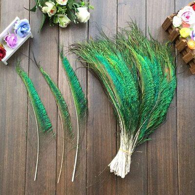 Перо павлина меч 30-35 см. 1 шт. Натурального цвета