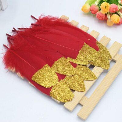 Пушистые перья гуся 15-20 см, 10 шт. Красные с золотой крошкой