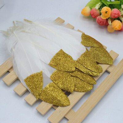 Пушистые перья гуся 15-20 см, 10 шт. Белые с золотой крошкой