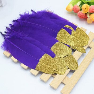 Пушистые перья гуся 15-20 см, 10 шт. Фиолетовые с золотой крошкой