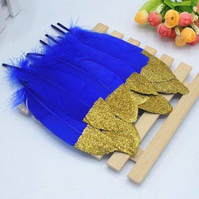 Пушистые перья гуся 15-20 см, 10 шт. Синего цвета с золотой крошкой