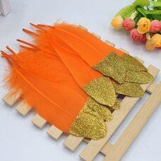 Пушистые перья гуся 15-20 см, 10 шт. Оранжевые с золотой крошкой