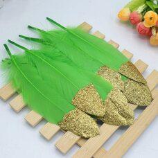 Пушистые перья гуся 15-20 см, 10 шт. Зеленое яблоко с золотой крошкой