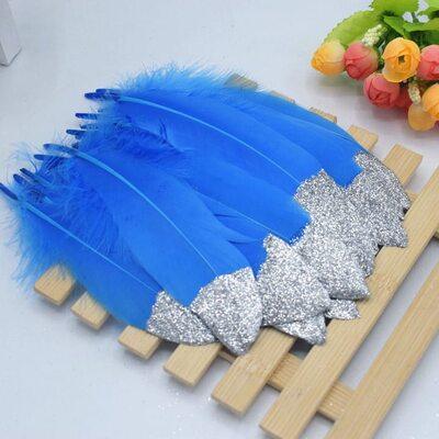 Пушистые перья гуся 15-20 см, 10 шт. Голубые с серебрянной крошкой
