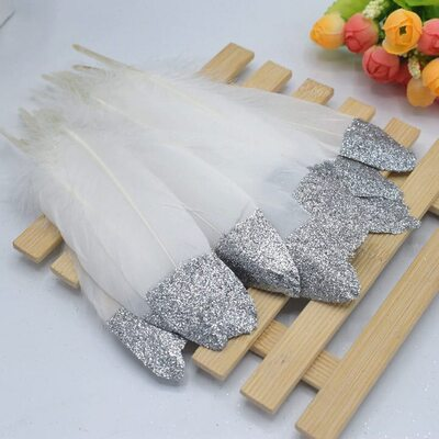 Пушистые перья гуся 15-20 см, 10 шт. Белые с серебрянной крошкой