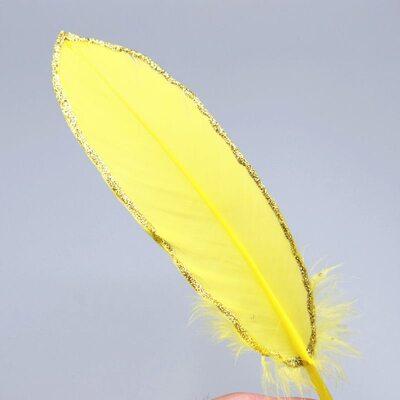 Пушистые перья гуся 15-20 см, 10 шт. Желтые в золотом обрамлении