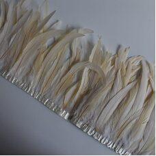Тесьма из перьев петуха на ленте 25-30 см. Бежевый цвет