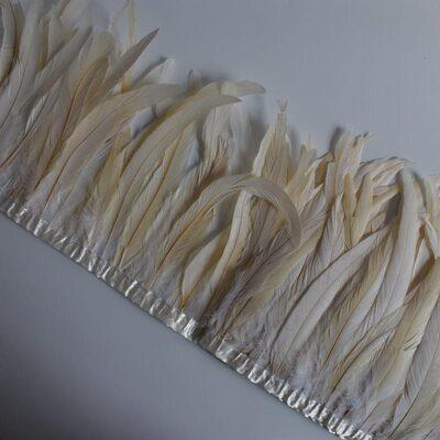 Тесьма из перьев петуха на ленте 30-35 см. Бежевый цвет