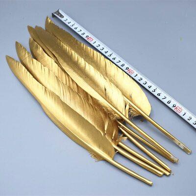 Гусиное перо 32-35 см, 1 шт. Золотого цвета