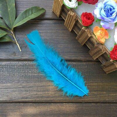 Плоские перья индейки 12-18 см. 20 шт. Голубые